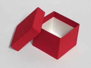Dárková krabička se stuhou (8,5 x 8,5 x 7 cm) – Dárkové tašky a krabičky
