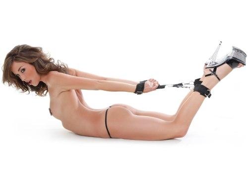 Pouta, lana a pásky na bondage (svazování): Poutací kříž Hogtie Kit