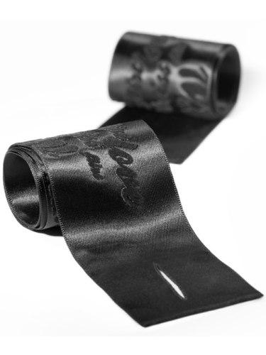 Pouta, lana a pásky na bondage (svazování): Hedvábná pouta na ruce