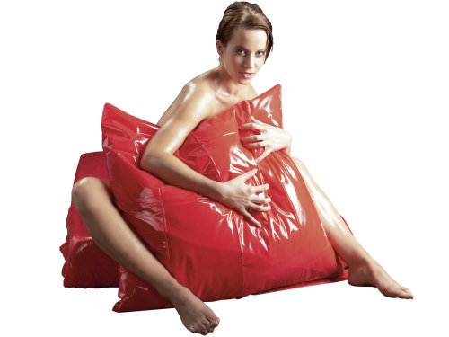 Lakované (lesklé) ložní prádlo: Lakovaný vinylový povlak na polštář, červený
